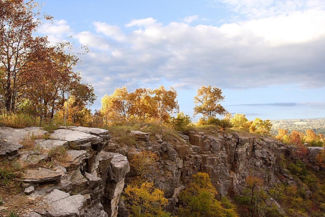Excursionista murió en la caída del acantilado en la montaña Ruffner en Birmingham