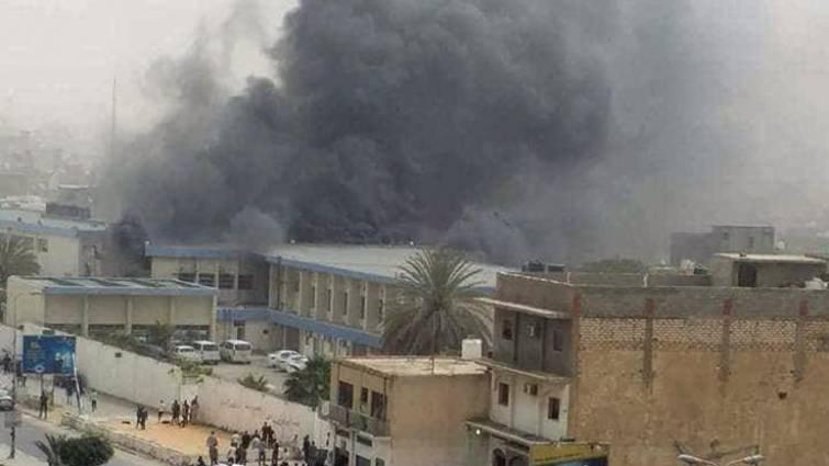 Al menos 13 muertos en un atentado suicida en la sede de la comisión electoral libia