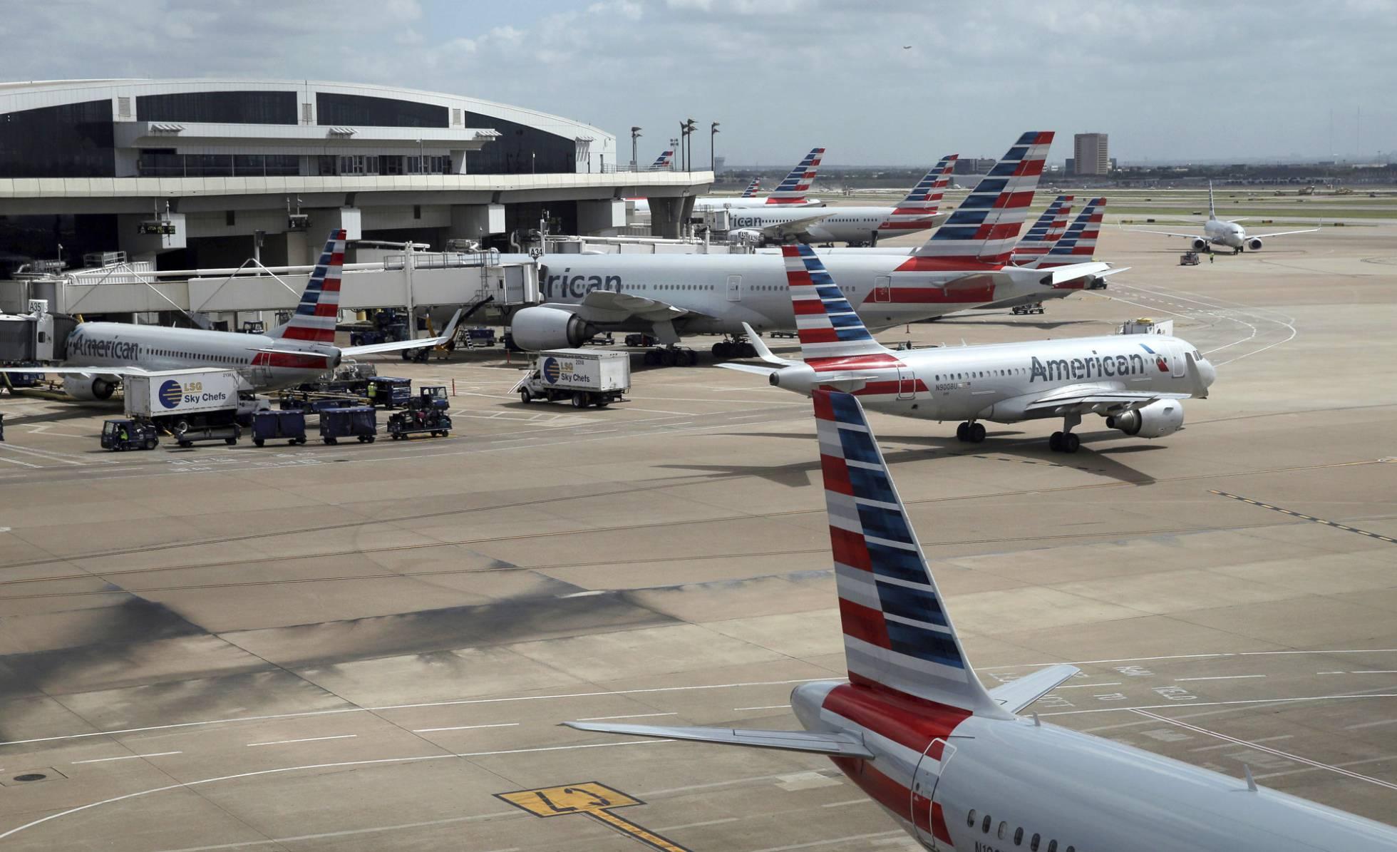 Las aerolíneas piden a Trump que deje de emplear sus aviones para trasladar niños separados de sus padres