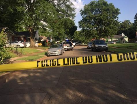 Mujer bajo custodia después de presuntamente disparar a su hija hasta la muerte en el suroeste de Birmingham