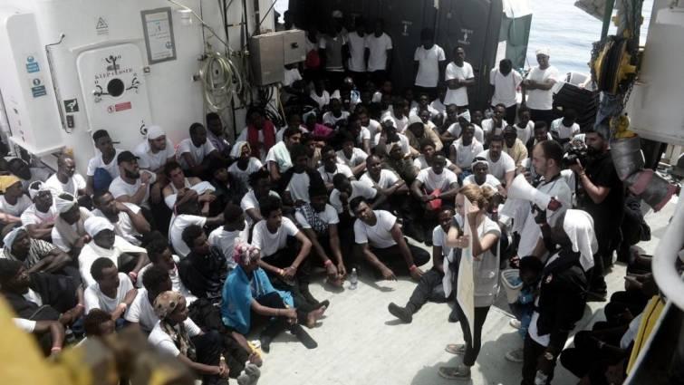 Los inmigrantes del buque «Aquarius» tendrán estatus de refugiados