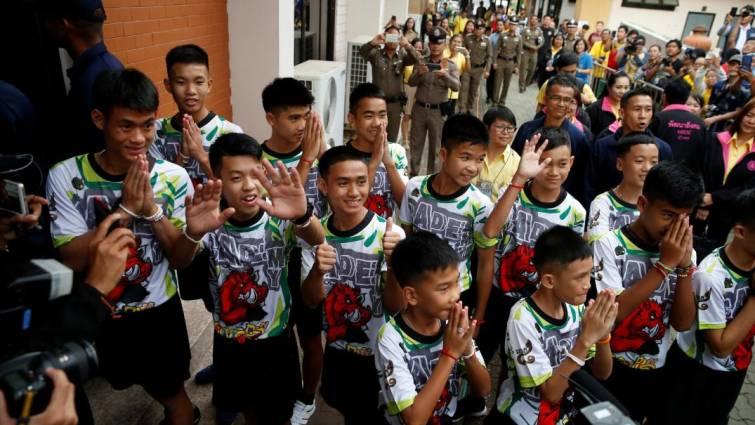 Los chicos rescatados de la cueva: «Fue un milagro cuando nos localizaron»