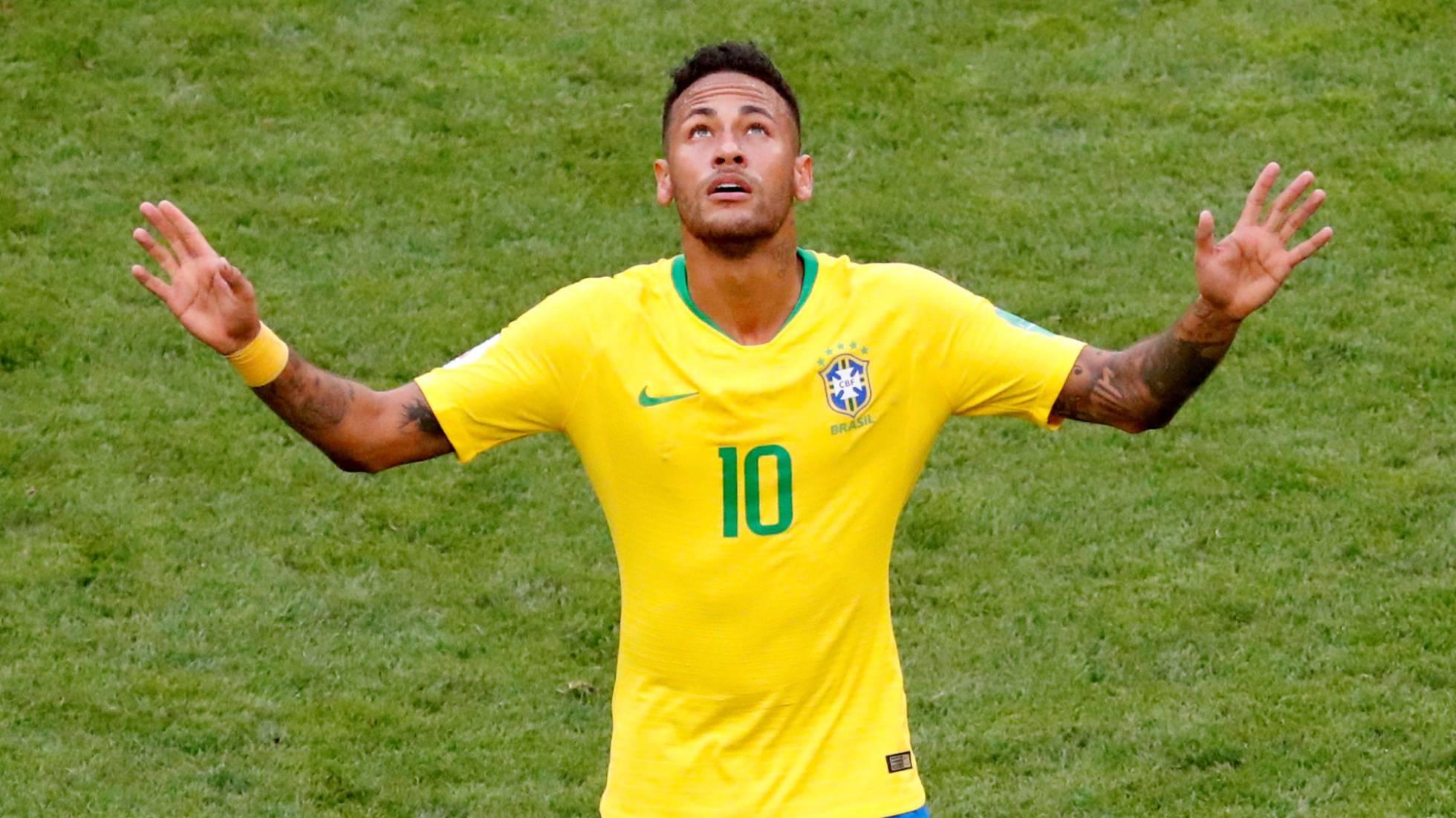 Brasil pasa a cuartos tras derrotar a México (2-0)