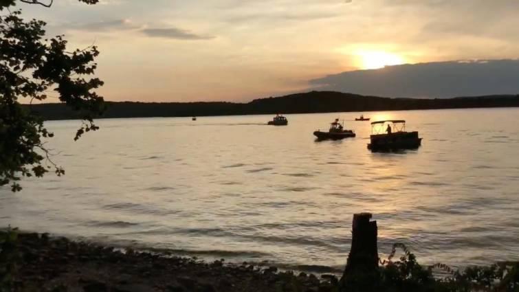 Once muertos en el naufragio de una embarcación turística en EEUU