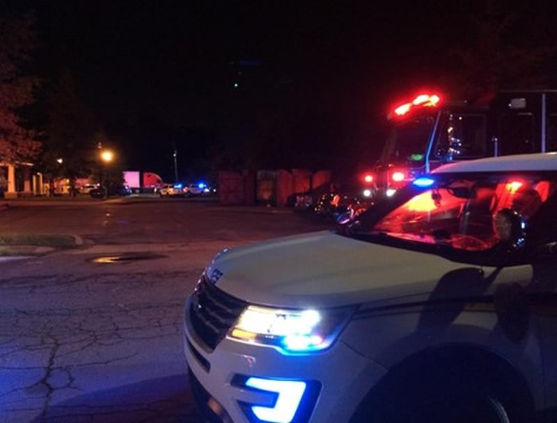 1 mujer muerta y 2 hombres heridos en triple tiroteo; sospechoso en custodia