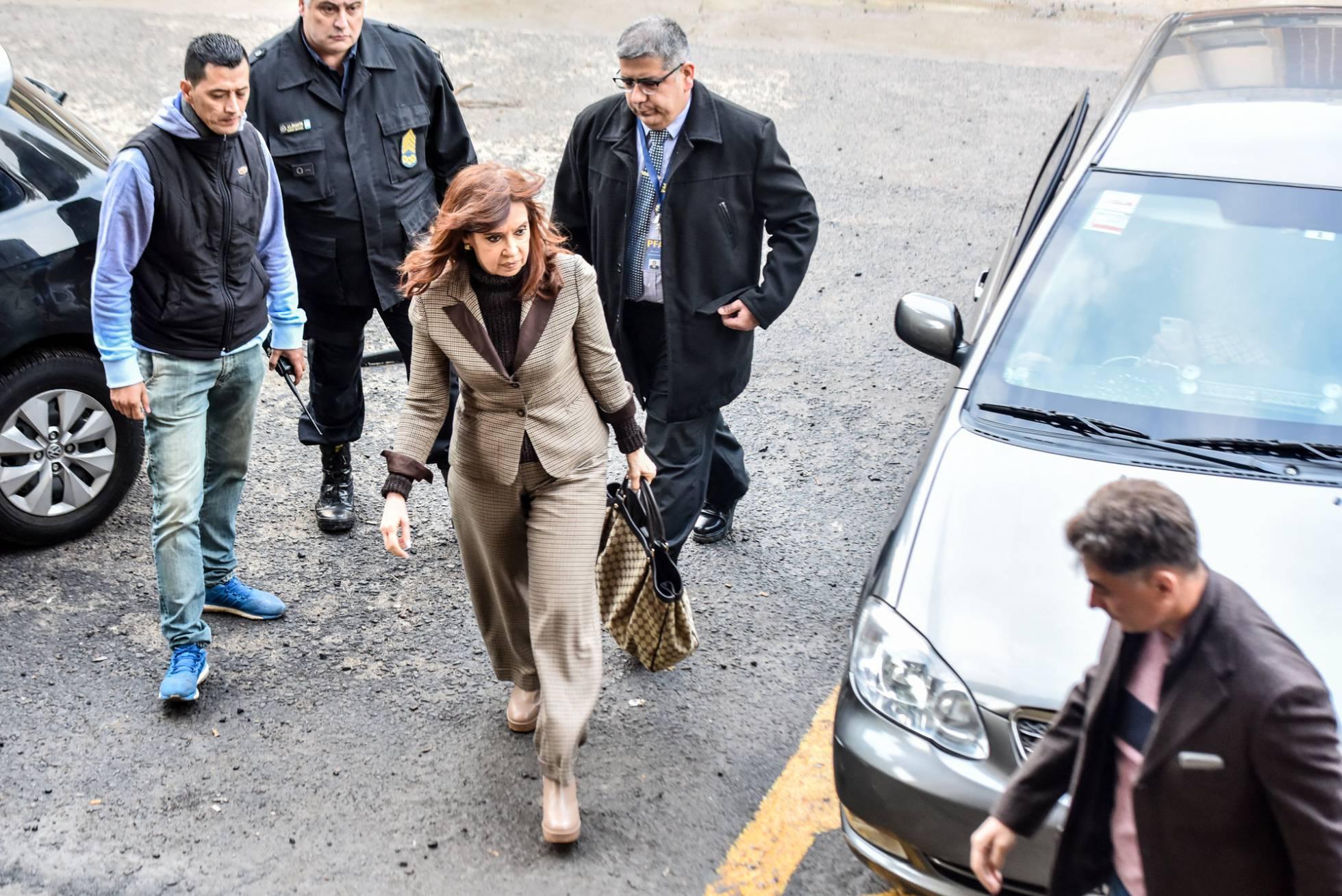 Fernández de Kirchner acusa a Mauricio Macri de persecución política