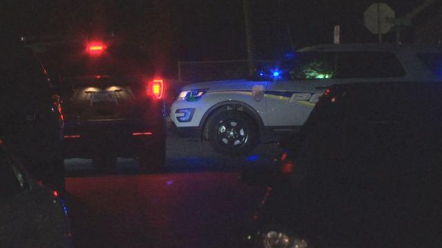 Mujer muerta a tiros en Avenue J en Ensley