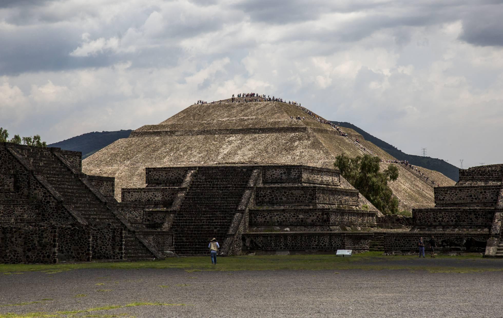 El nuevo aeropuerto de Ciudad de México se asoma a la ciudad de los dioses