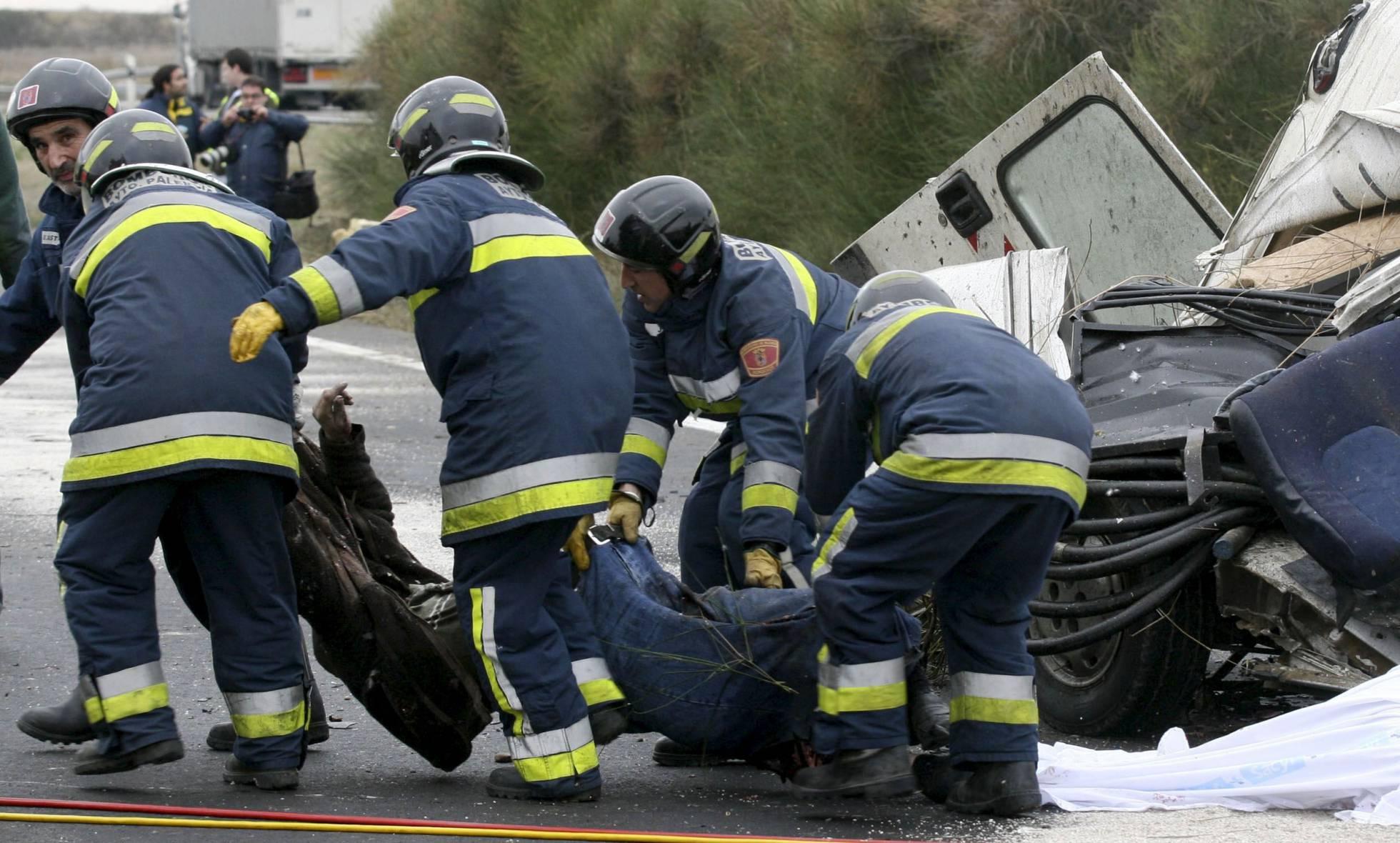 Seis muertos en una colisión frontal entre dos vehículos en Portugal