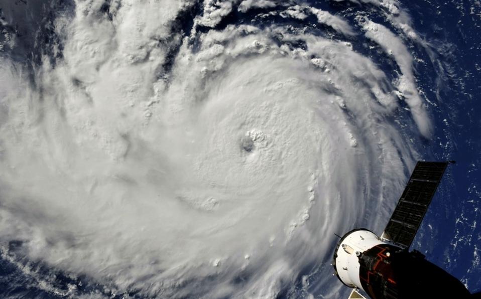 Florence, el huracán potencialmente catastrófico, se acerca a EE.UU.