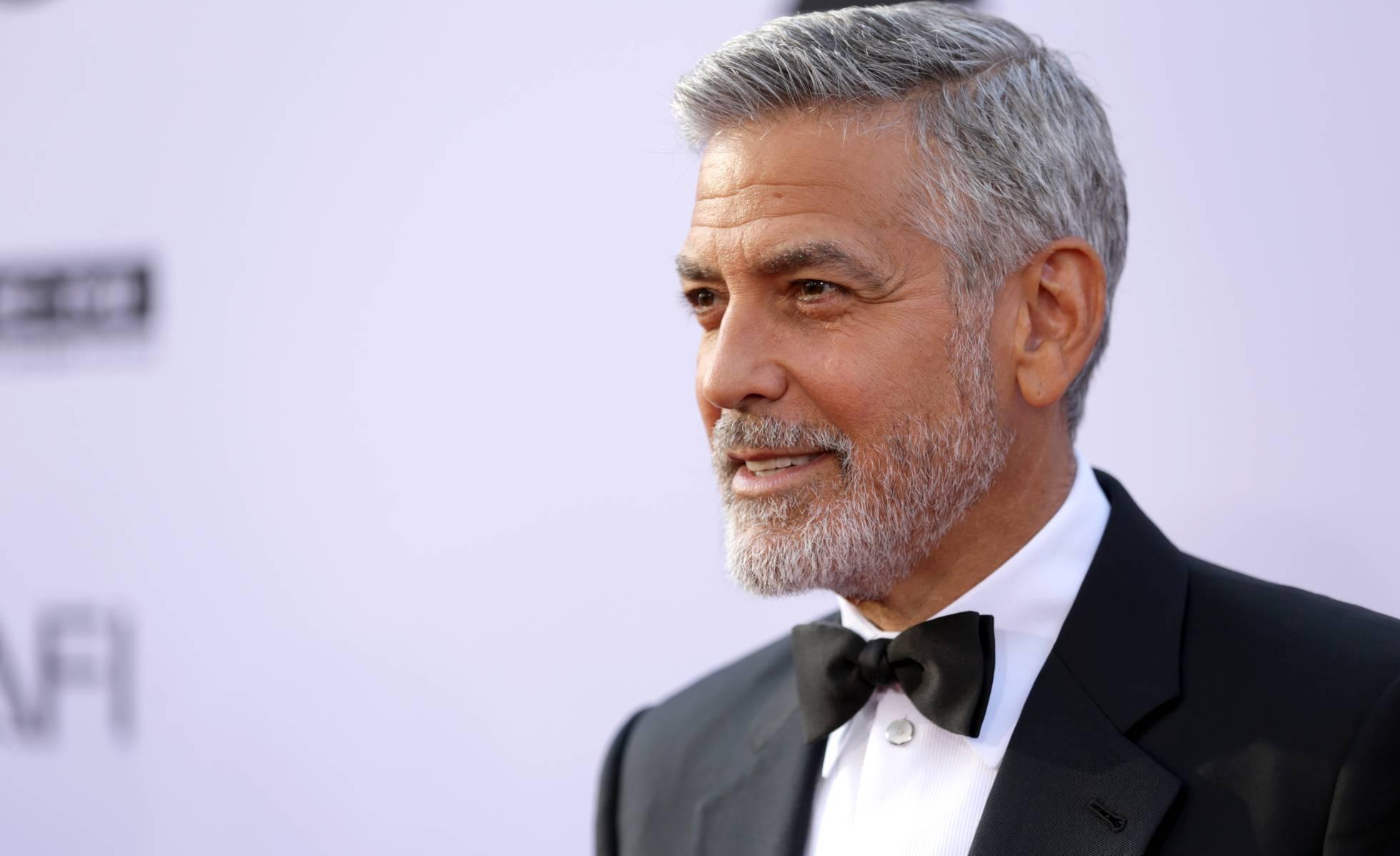 George Clooney gana 23.296 euros a la hora