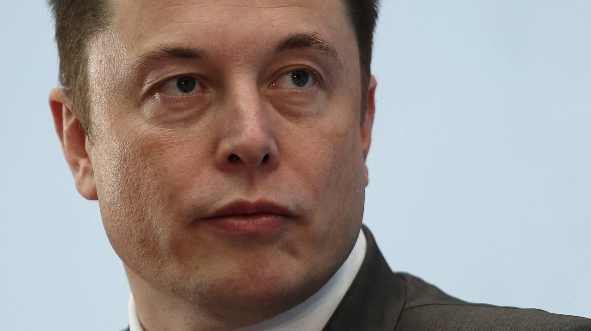 Tesla se desploma un 9% en Bolsa tras la renuncia de su jefe contable