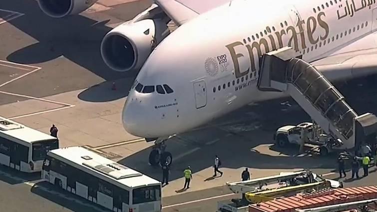 Un avión de Emirates, varias horas en cuarentena en Nueva York tras enfermar tres pasajeros y siete tripulantes