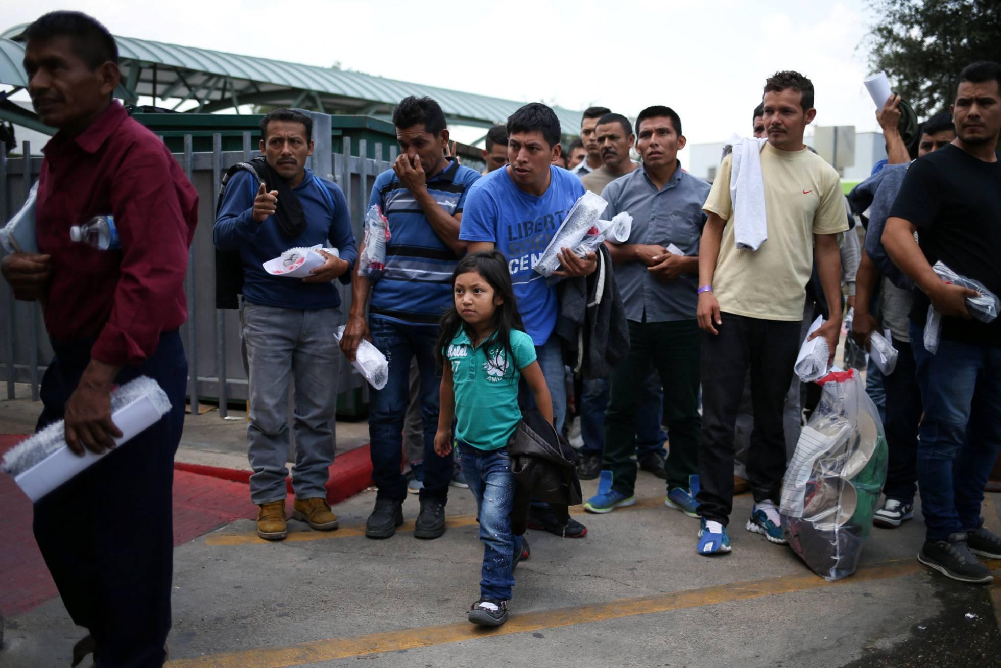 inmigrantes indocumentados liberados en