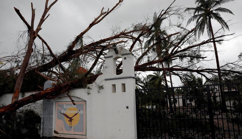El Huracán Willa se disipa pero continúan las evacuaciones en México