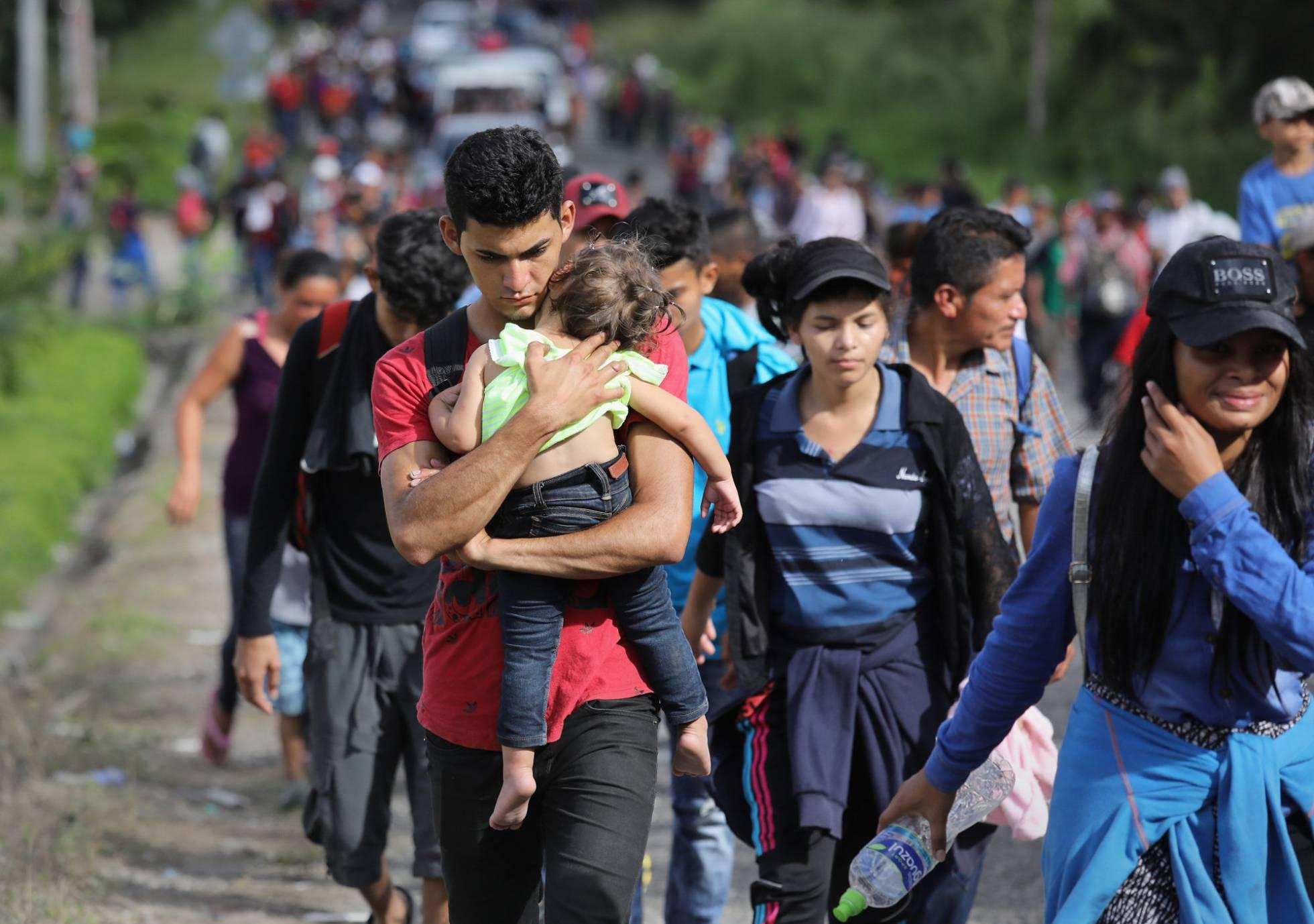 Trump carga contra otra caravana de migrantes centroamericanos