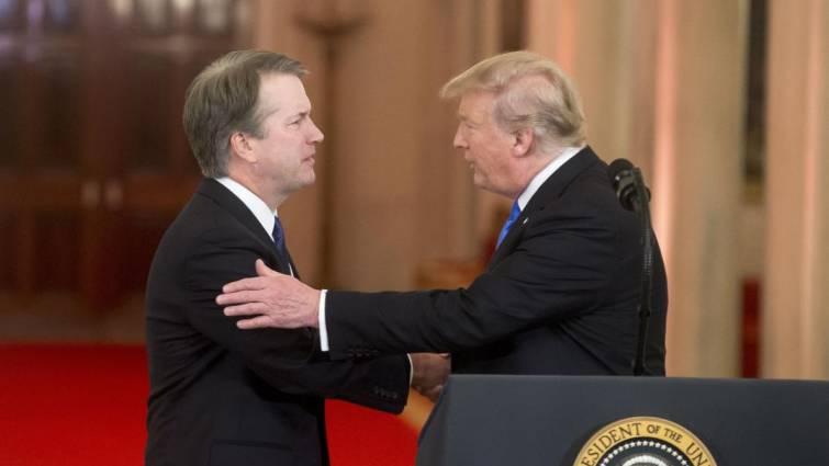 Donald J Trump y Brett Kavanaugh