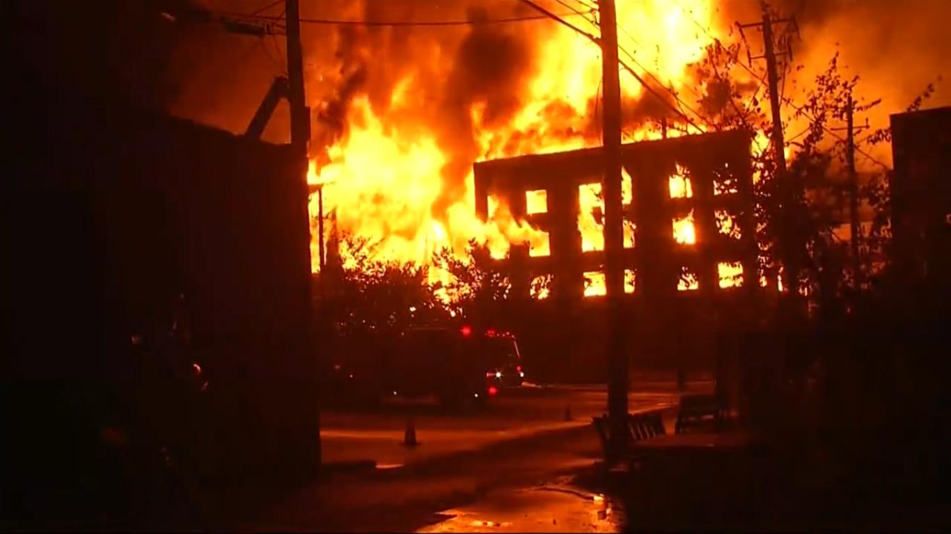El incendio del apartamento de Lakeview fue intencional, dice ATF