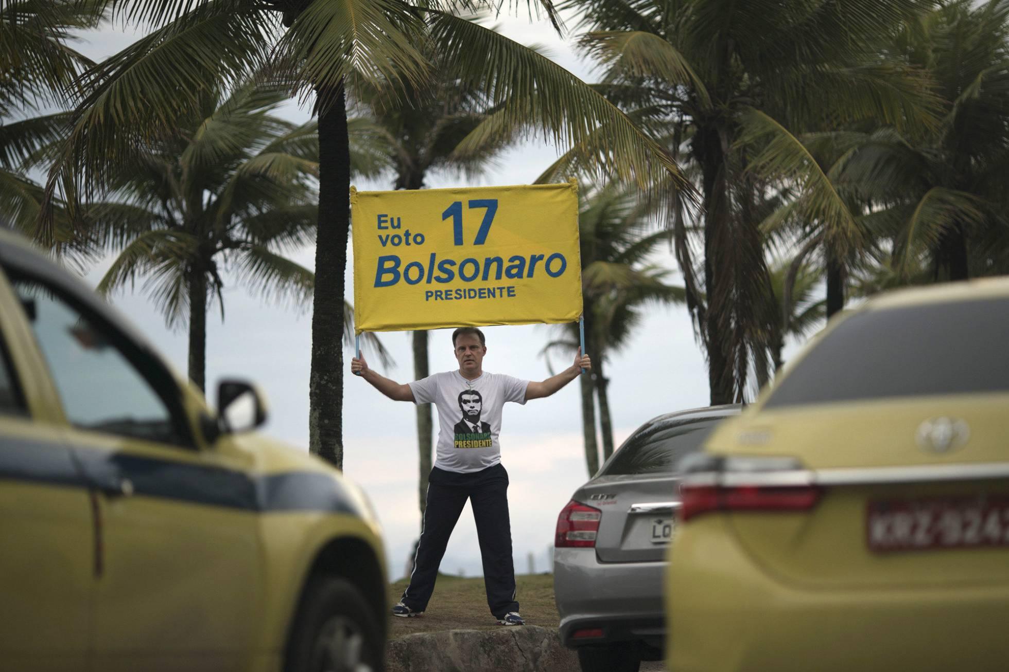 Los sondeos confirman que Bolsonaro es el gran favorito para la segunda vuelta en Brasil
