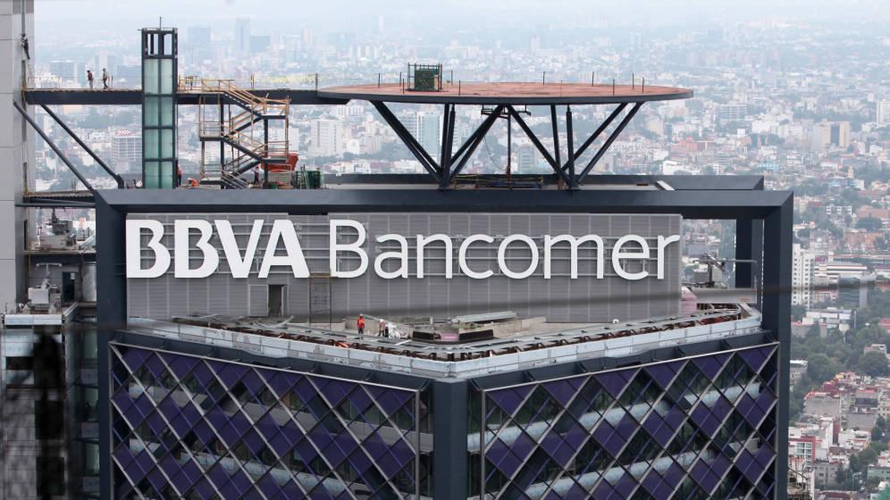 BBVA reta al nuevo Gobierno de México al poner a la venta su torre gigante por 900 M