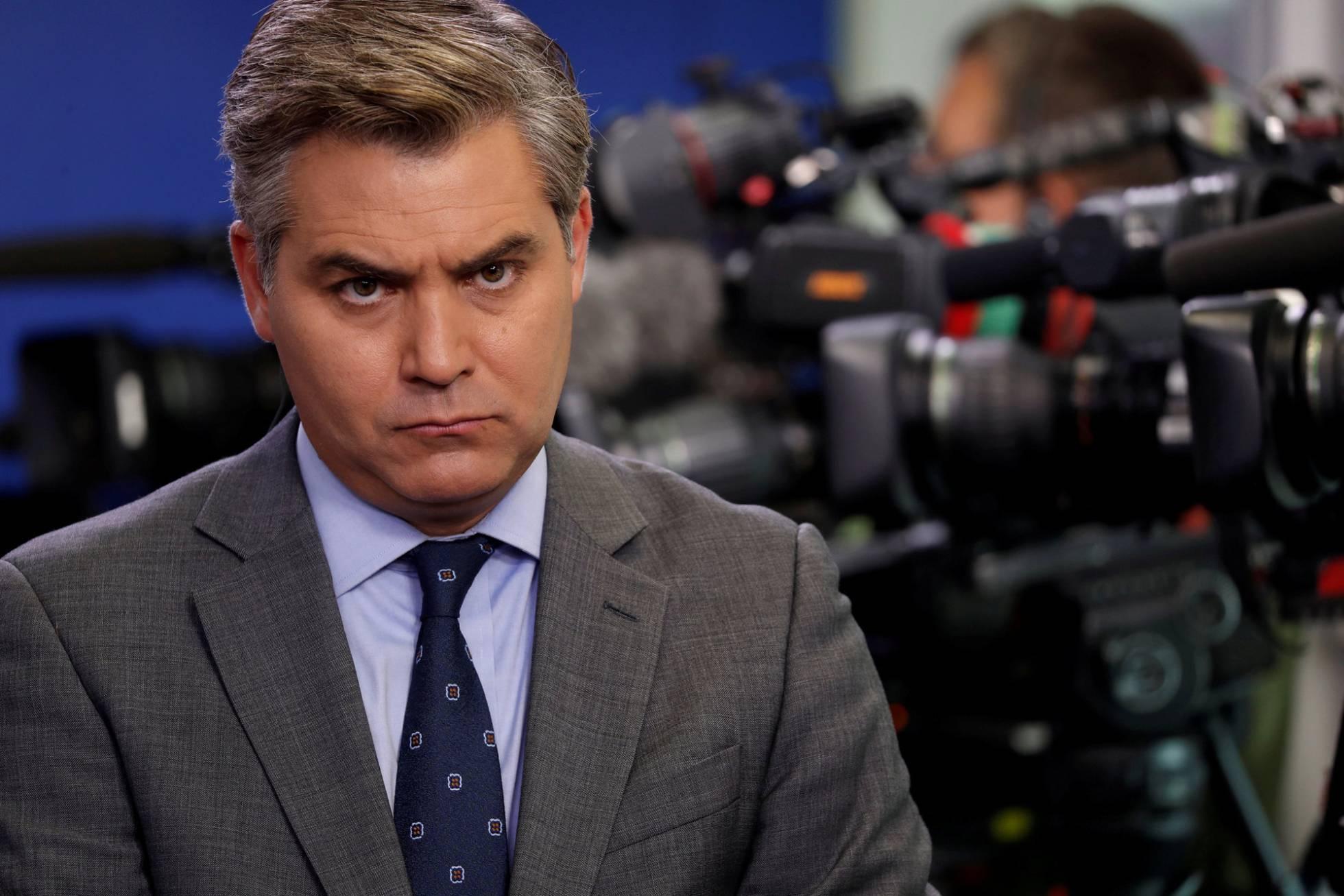 CNN demanda a Trump por la retirada de la credencial al periodista Jim Acosta