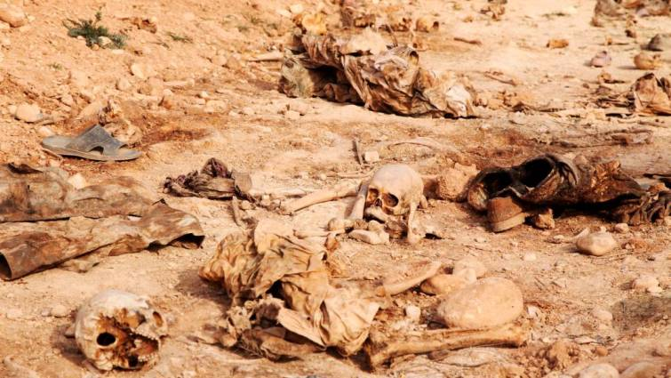 Descubren más de 200 fosas comunes con miles de cadáveres en Irak