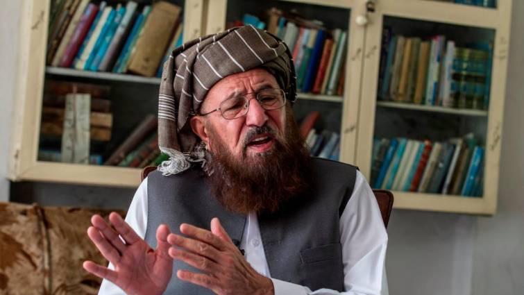 Muere apuñalado el poderoso clérigo Sami ul Haq, «padre de los talibán»