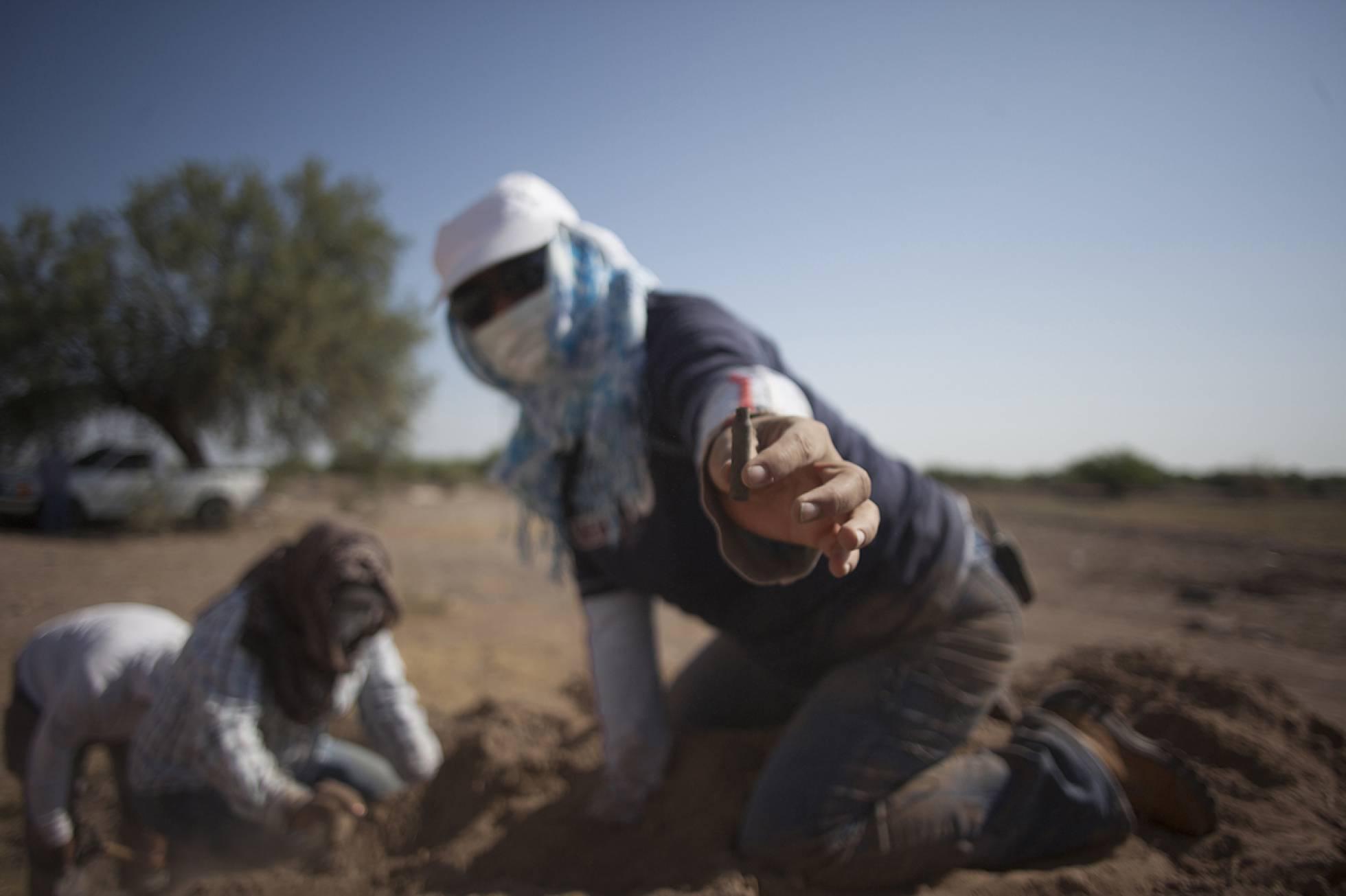 Una investigación periodística cifra el drama de las fosas en México: 1.900 en una década