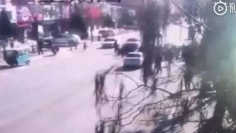 Un conductor atropella a un grupo de niños y deja cinco muertos