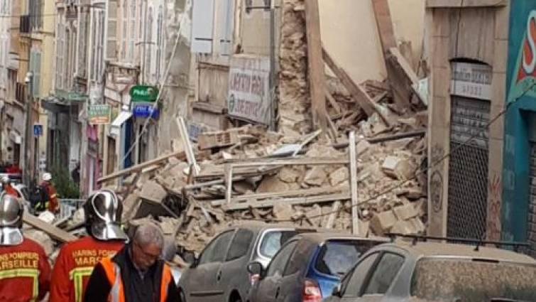 Un edificio se derrumba en pleno centro de Marsella