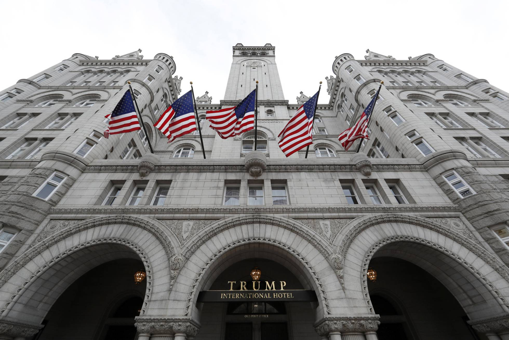 Lobistas de Arabia Saudí financiaron 500 noches en el hotel Trump tras las elecciones de 2016