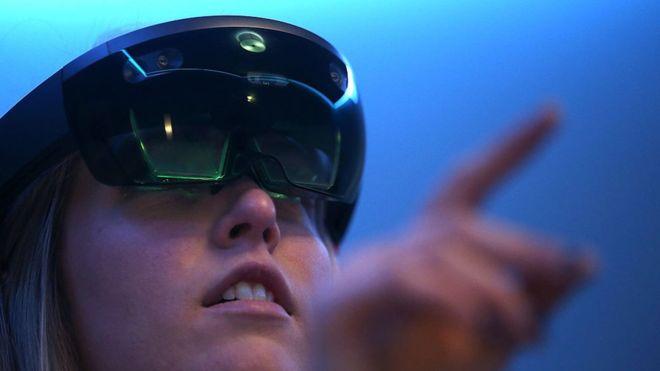 Cómo son las gafas HoloLens de Microsoft que el ejército de Estados Unidos usará en combate