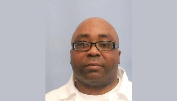 Hombre de Tuscaloosa condenado por la muerte de su hijo, muere en prisión