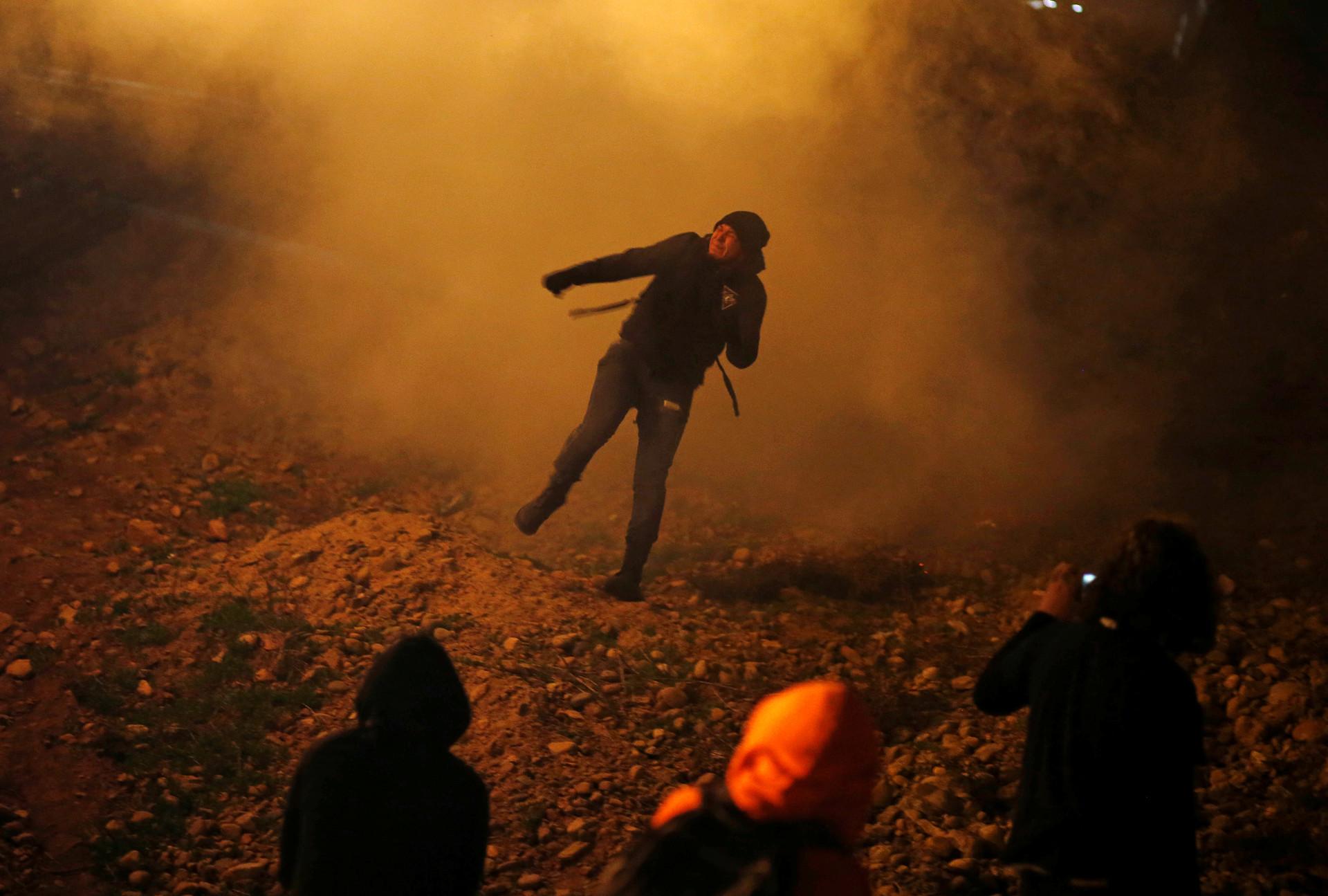 México pide explicaciones a EE.UU. sobre el lanzamiento de gas contra migrantes cerca de la frontera