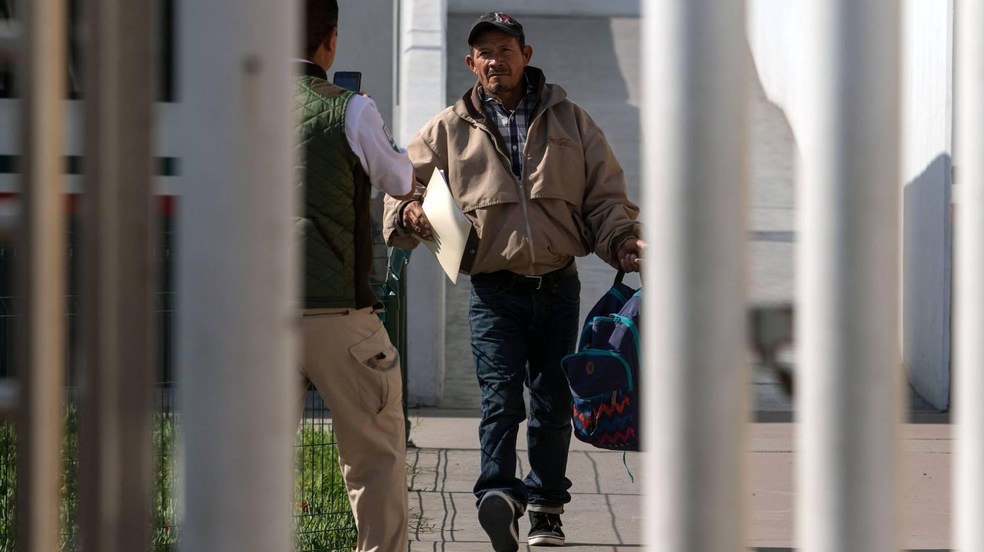 1 Carlos Gomez migrante
