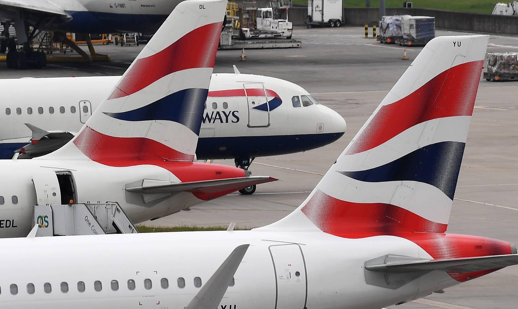 El aeropuerto londinense de Heathrow reanuda los vuelos tras el avistamiento de un dron