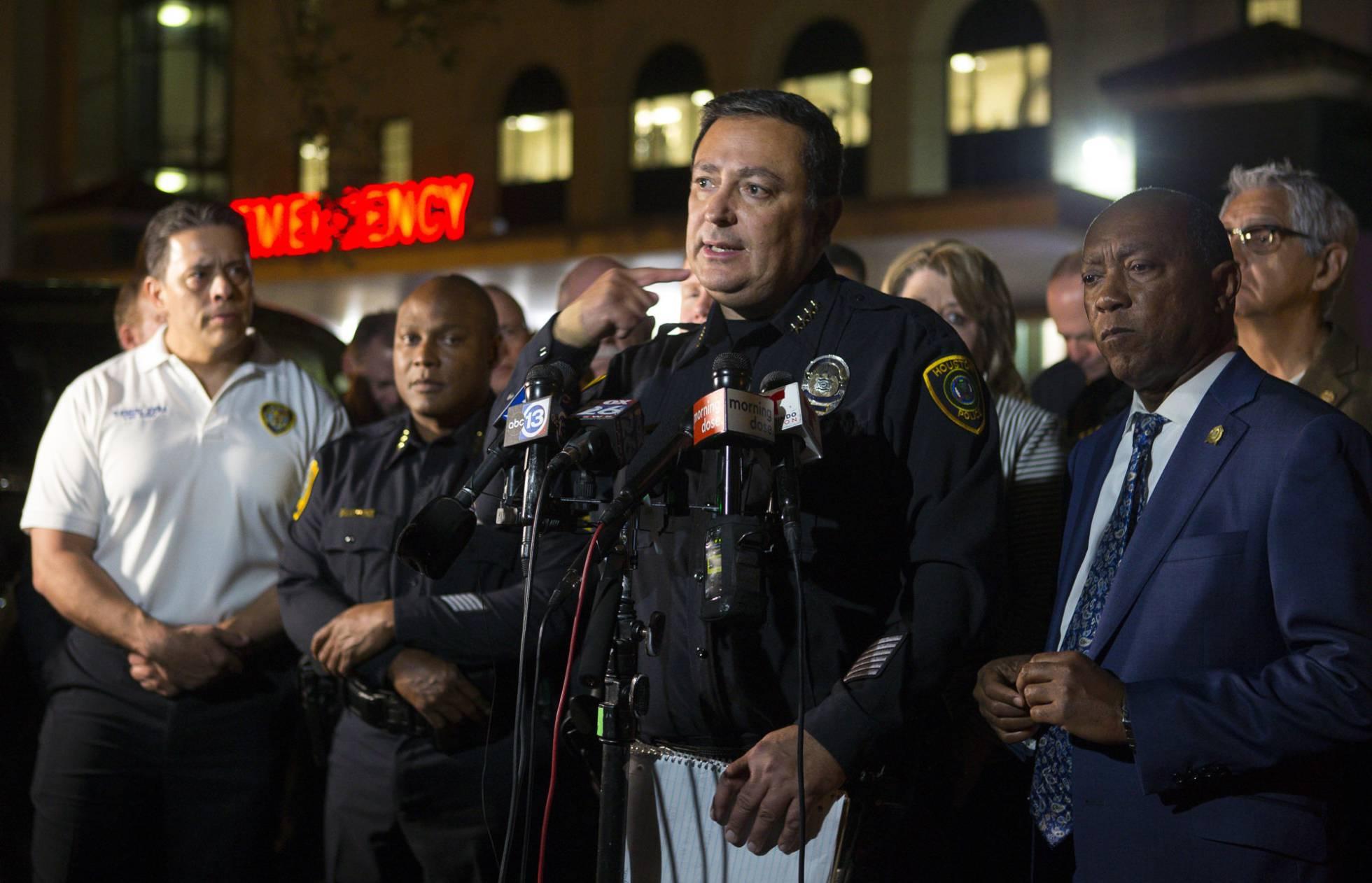 Cinco policías heridos en un tiroteo en Houston durante una operación antidroga