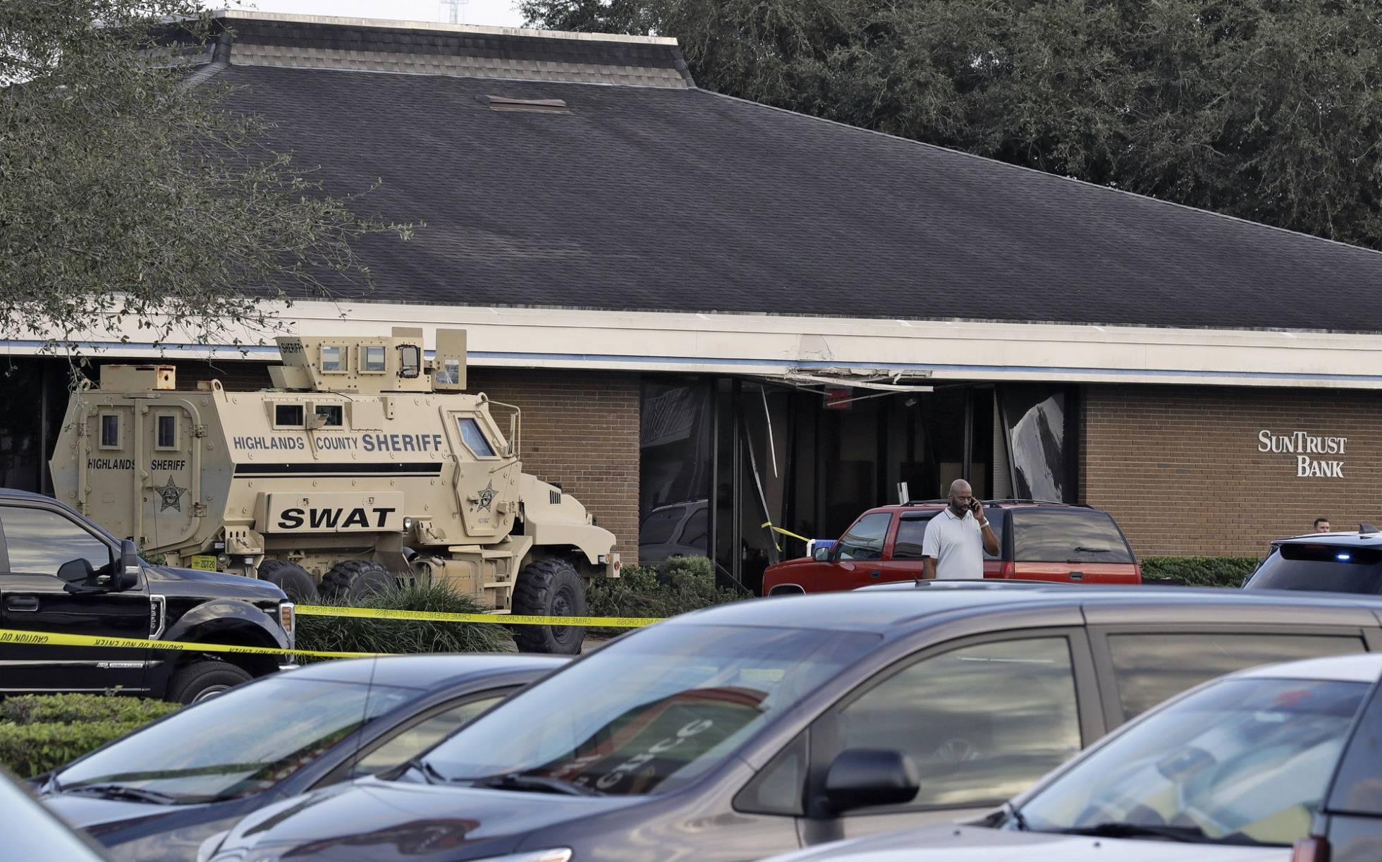 Cinco muertos por un tiroteo en la sucursal de un banco de Florida