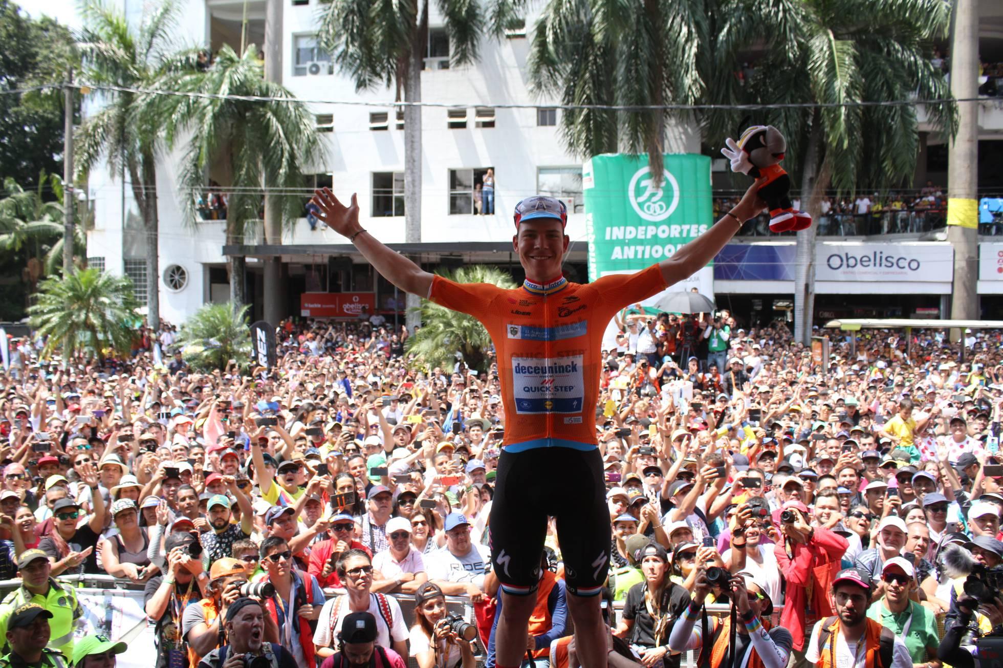 En Medellín, el ciclismo europeo se cruza con la Colombia verdadera