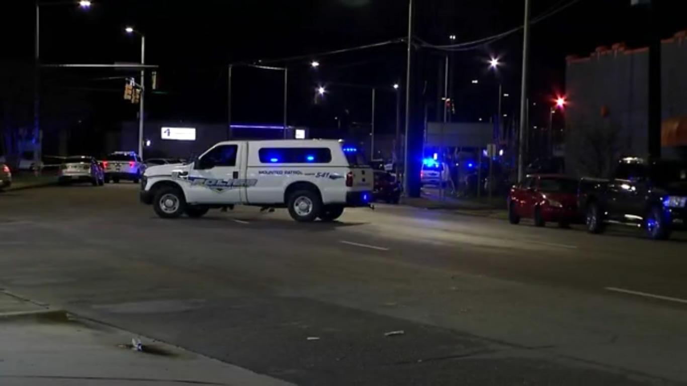 escena tiroteo oficial