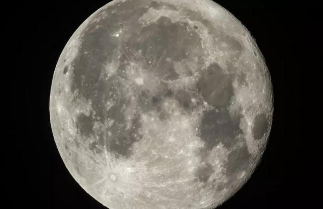Rusia prevé enviar misión tripulada a la Luna en 2031