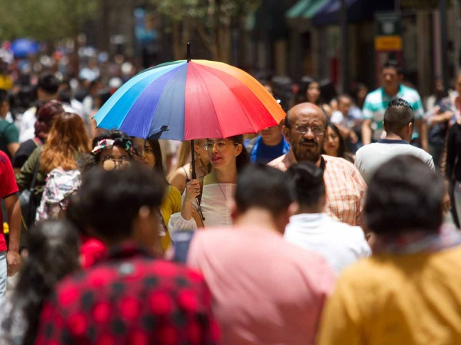 Alertan por radiación alta en Valle de México; piden no exponerse al sol