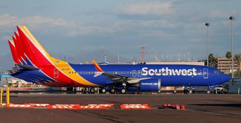 Boeing 737 Max 8 de Southwest Airlines aterriza de emergencia en Orlando