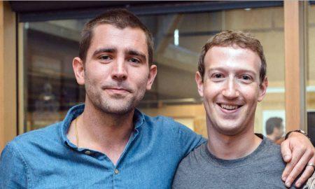 Chris Cox abraza a Mark Zuckerberg