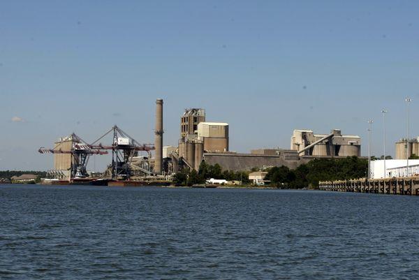 Alabama ocupa el quinto lugar en emisiones tóxicas industriales en aire y agua