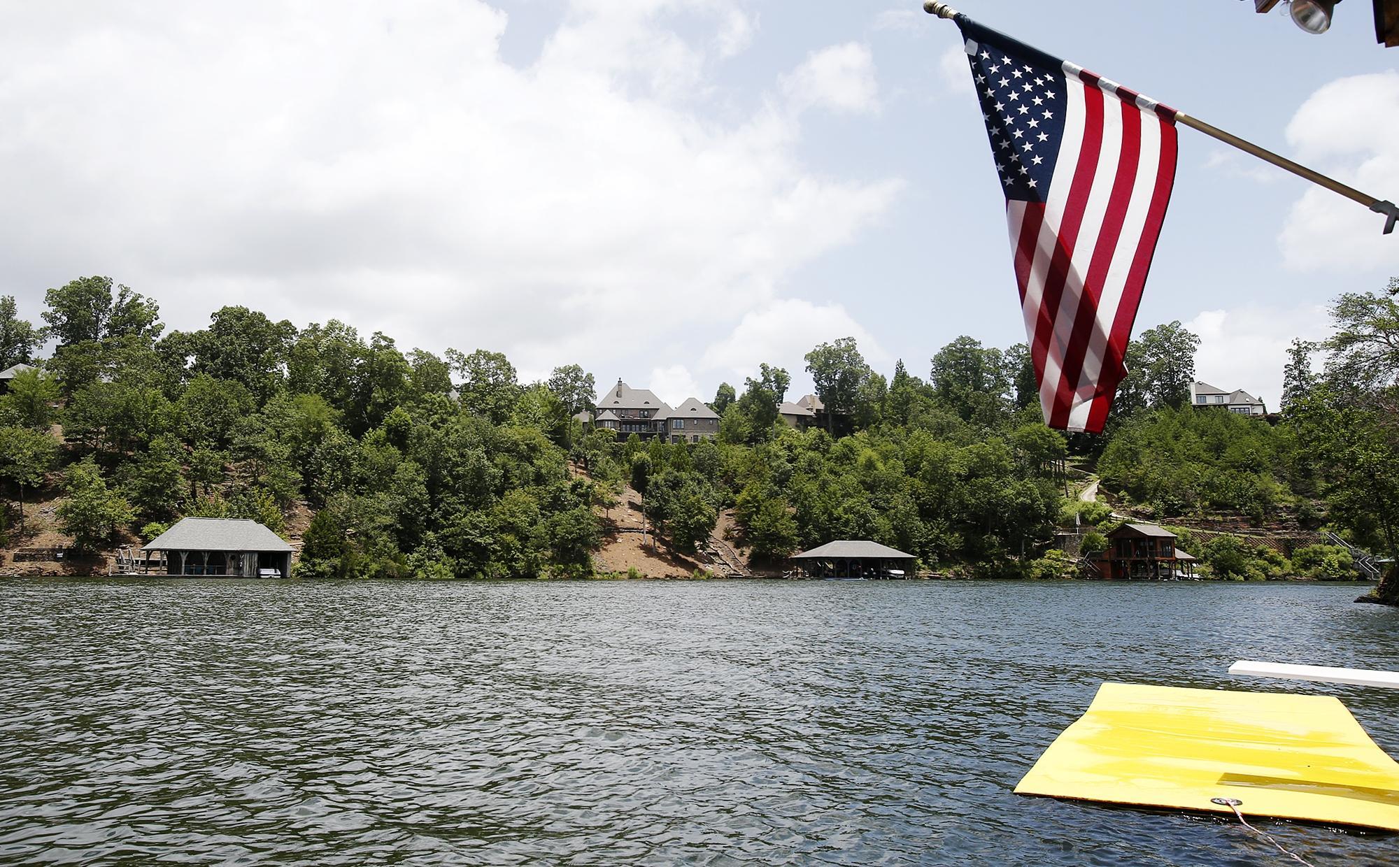 Caimán visto en el lago Tuscaloosa