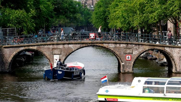 Amsterdam prohibirá todos los vehículos de combustión a partir de 2030