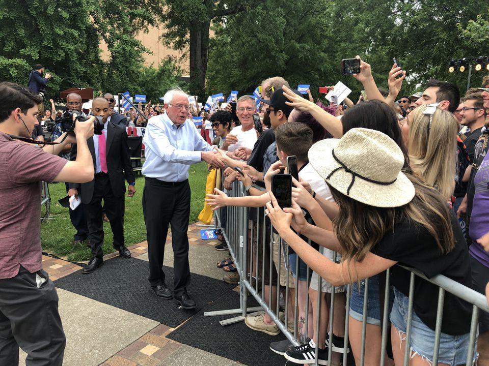 Bernie Sanders abordó problemas en el mitin de Alabama el domingo