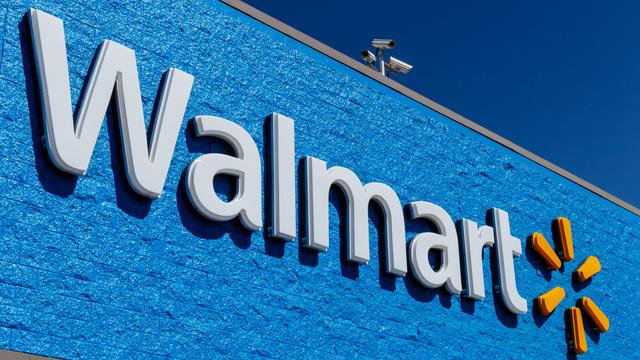 Hombre se prendió fuego en las afueras de un Walmart en Alabama