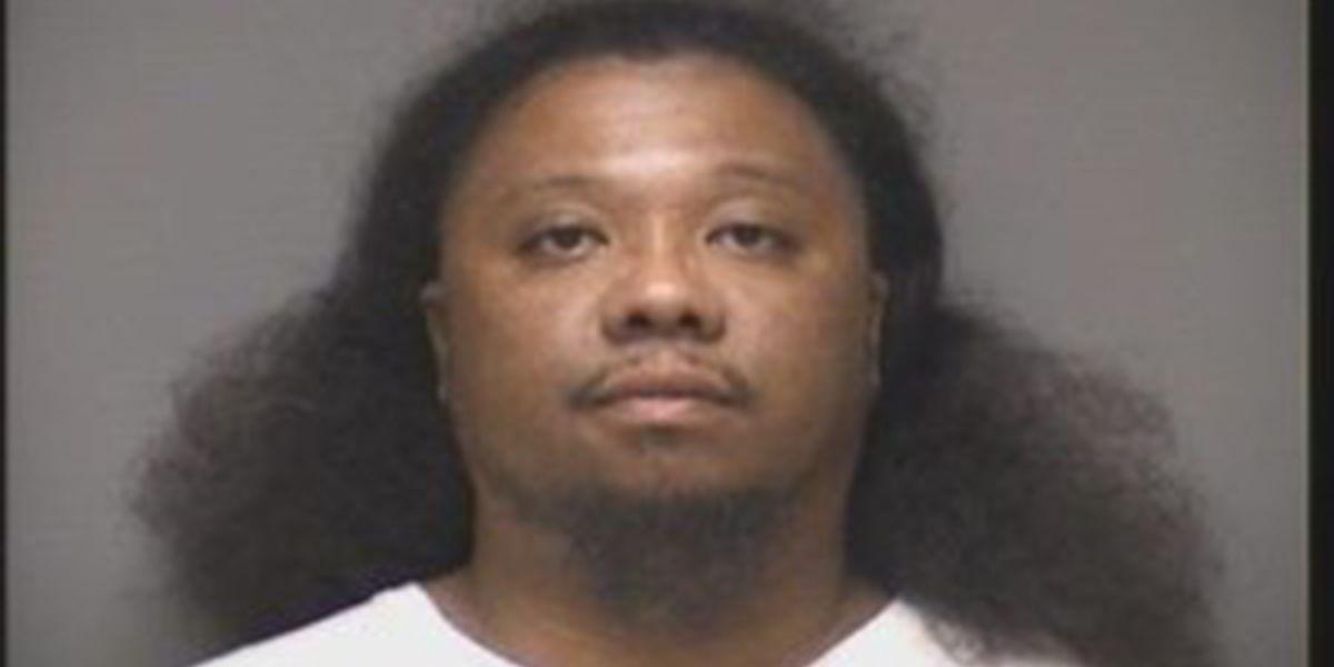 Hombre arrestado, después de que la policía le encontrara 4 libras de metanfetamina de cristal